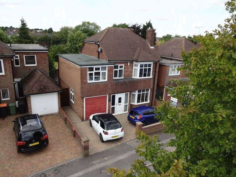 5 Bedrooms Detached House for sale in Douglas Crescent.