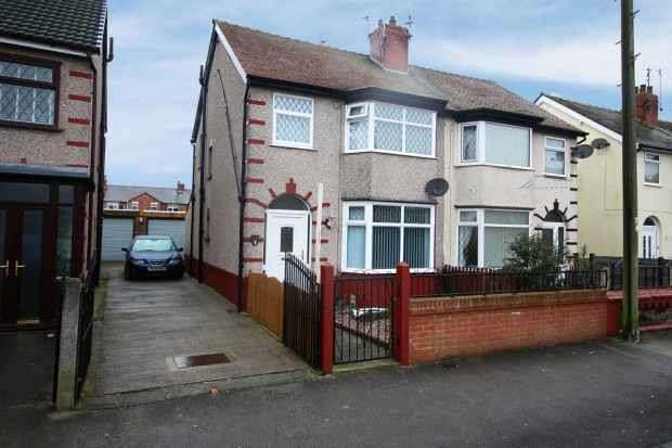 3 Bedrooms Semi Detached House for sale in Manor Road,, Fleetwood, Uk, Lancashire, FY7 7LJ