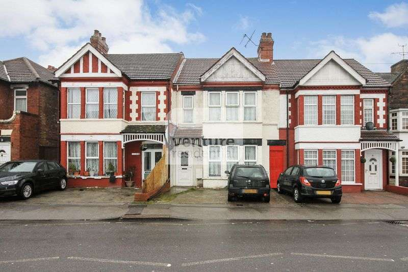 3 Bedrooms Terraced House for sale in Biscot Road, Luton