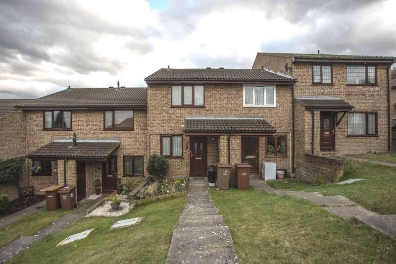 2 Bedrooms Terraced House for sale in Raleigh Close, Walderslade
