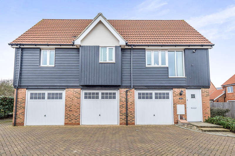 2 Bedrooms Detached House for sale in Lily Walk, SITTINGBOURNE, ME10
