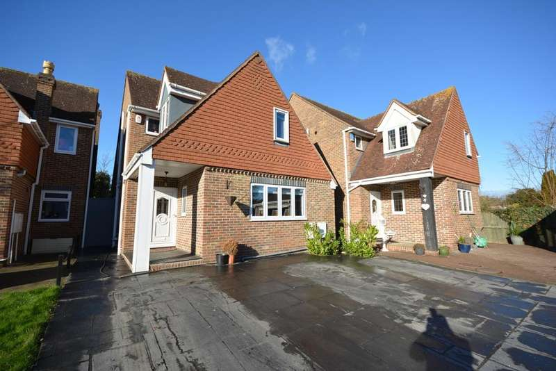 4 Bedrooms Detached House for sale in Cottage Mews, off Westmoreland Avenue, Hornchurch RM11