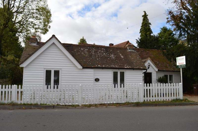 3 Bedrooms Detached Bungalow for sale in Wadhurst TN5