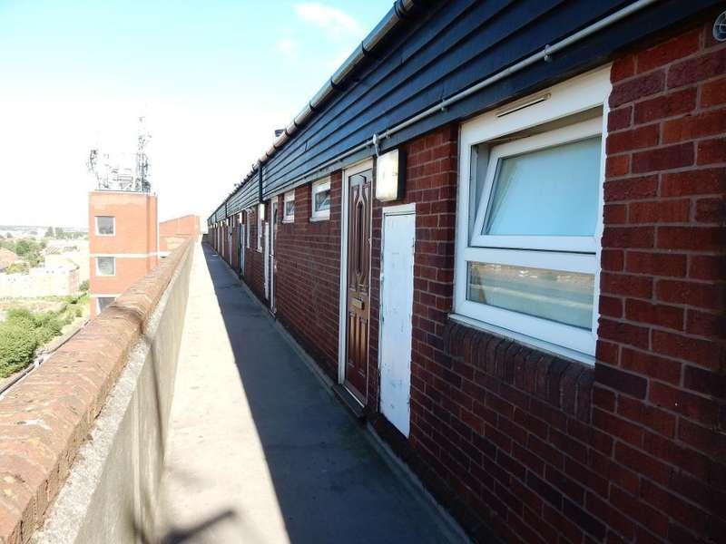 2 Bedrooms Flat for sale in Millard Terrace, Dagenham, Essex, RM10 8RQ