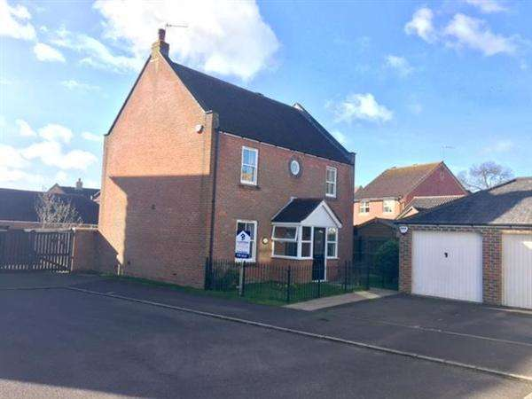 4 Bedrooms Detached House for sale in Thomas Hardy Drive, Shaftesbury