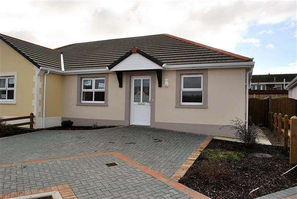 2 Bedrooms Semi Detached Bungalow for sale in 107 Gibbas Way