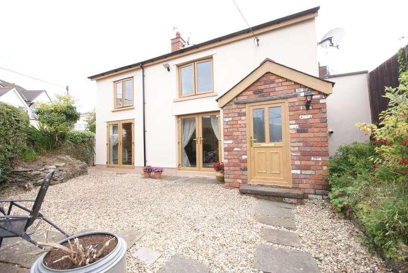 4 Bedrooms Detached House for sale in Plas Road, Fleur de Lys, Blackwood NP12