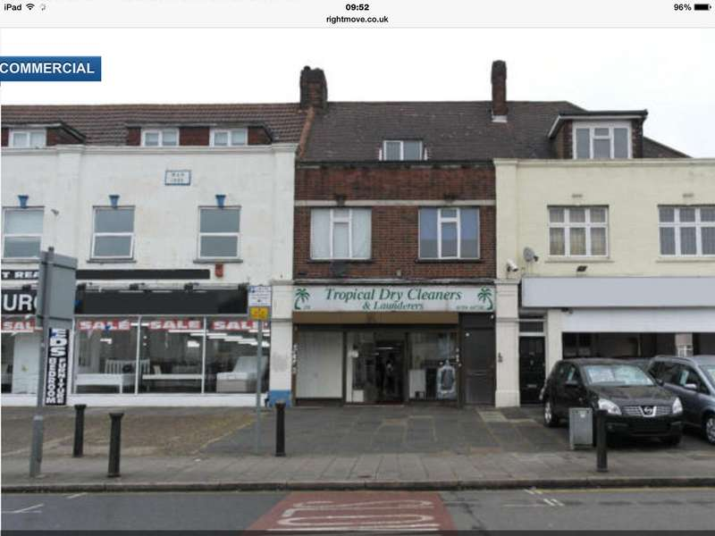 4 Bedrooms Flat for sale in Hornchurch Road, Hornchurch, Essex RM11