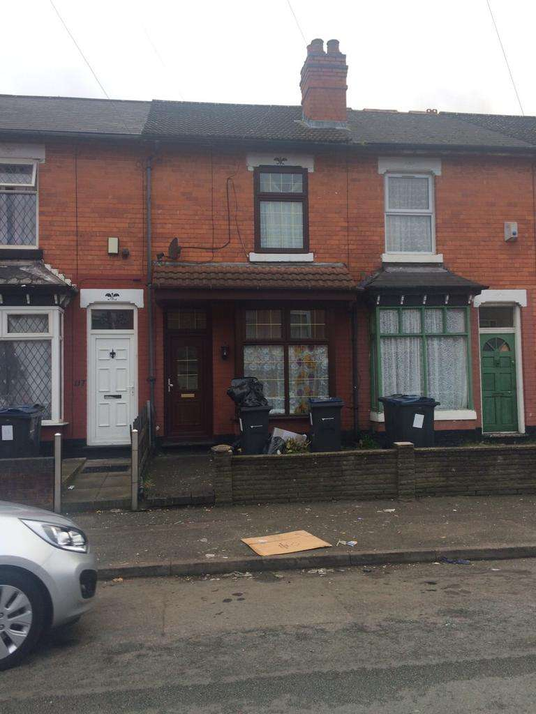 2 Bedrooms Terraced House for sale in Solihull Road, Sparkhill, Birmingham B11