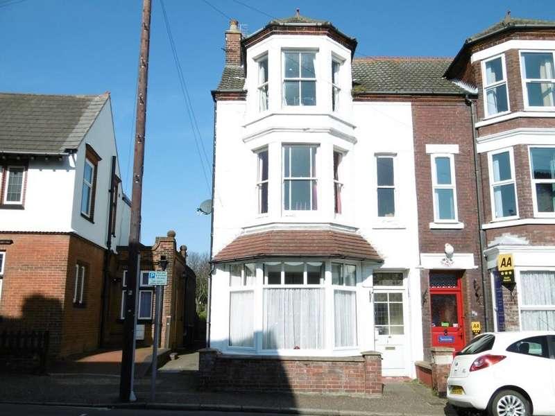 3 Bedrooms Maisonette Flat for sale in Sheringham, Norfolk