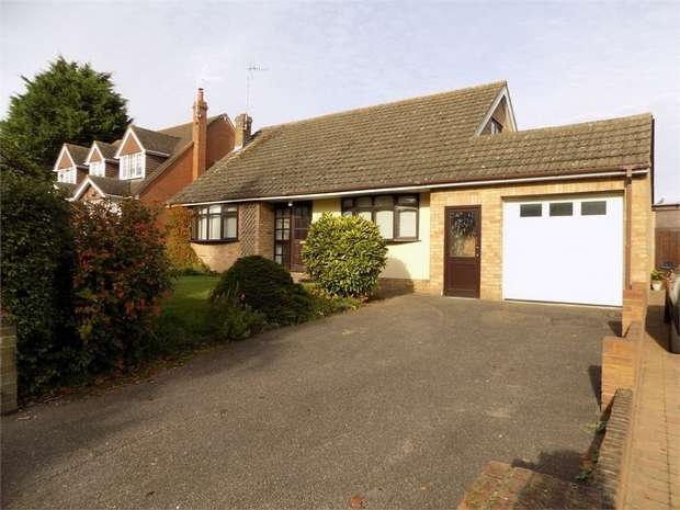 3 Bedrooms Detached Bungalow for sale in Tilsworth Road, Stanbridge, Leighton Buzzard