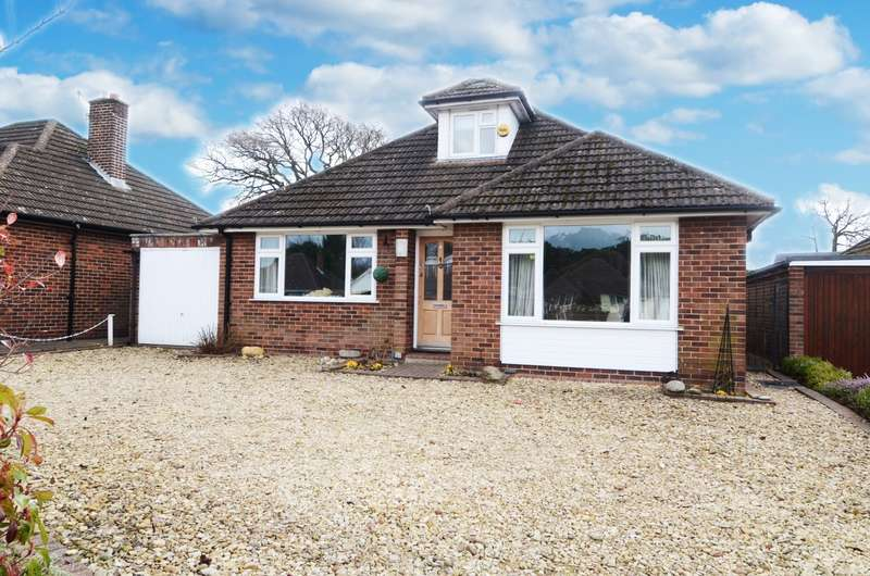 4 Bedrooms Detached Bungalow for sale in Southfield Road, Flackwell Heath, HP10