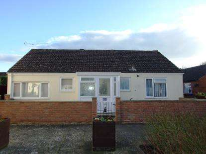3 Bedrooms Bungalow for sale in Newmarket, Suffolk