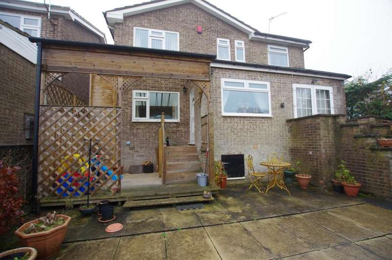 4 Bedrooms Detached House for sale in Haworth Grove, Bradford, BD9