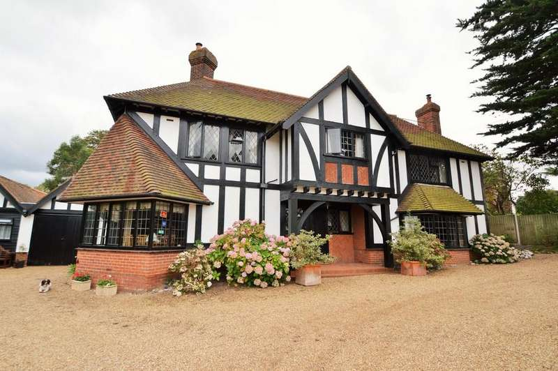 6 Bedrooms Detached House for sale in Sheringham