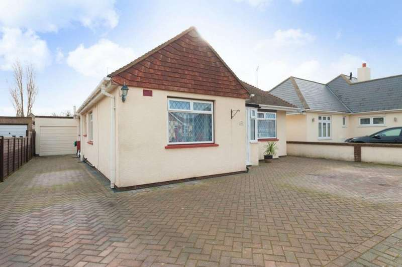 3 Bedrooms Bungalow for sale in St Swithins Road, Whitstable, CT5