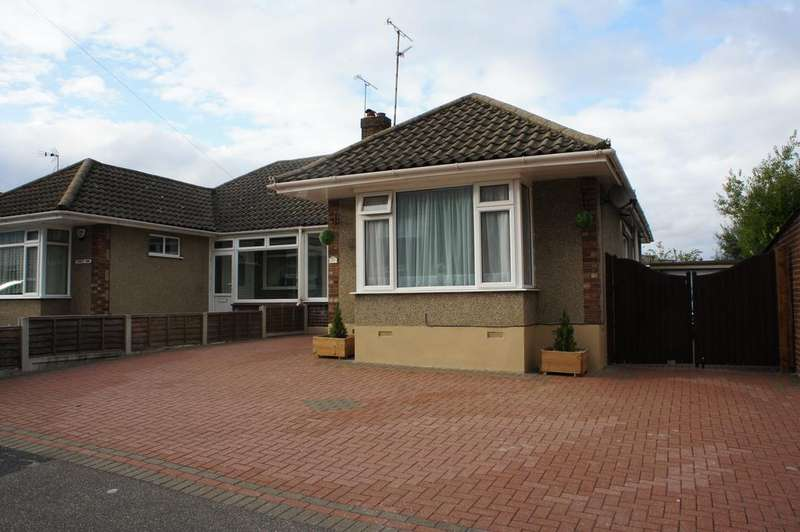 2 Bedrooms Semi Detached Bungalow for sale in Hudson Crescent, Leigh-on-Sea SS9