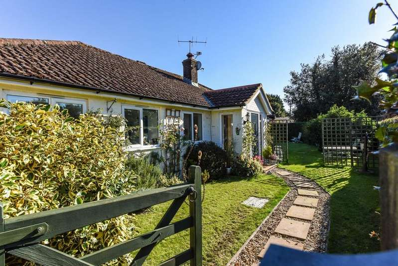 4 Bedrooms Detached Bungalow for sale in Gangbridge Lane, St Mary Bourne, Hampshire SP11