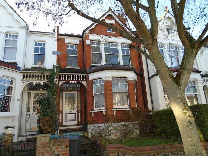 4 Bedrooms Terraced House for sale in Rosebery Road N10