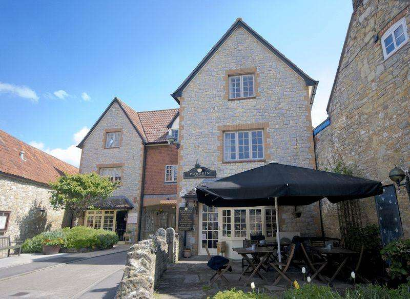 2 Bedrooms Apartment Flat for rent in CENTRAL WEDMORE