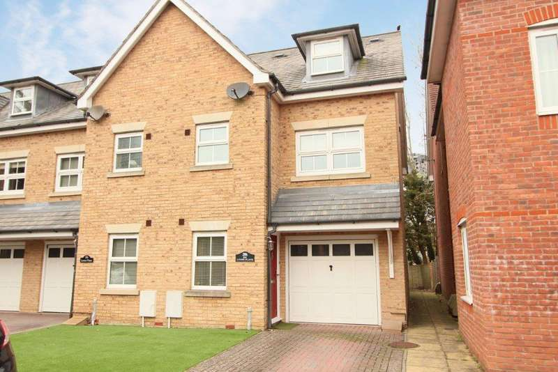4 Bedrooms Town House for sale in Lyons Place, Hedge End SO30