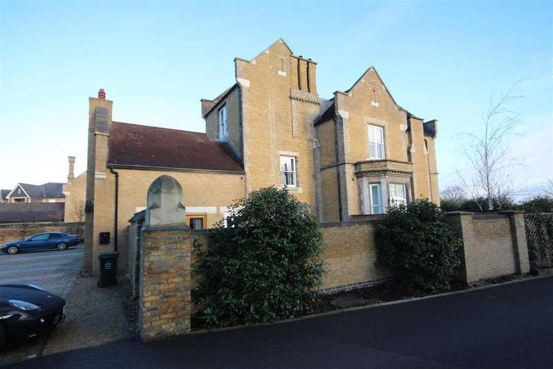 2 Bedrooms Terraced House for sale in Chapel Drive, Dartford, DA2