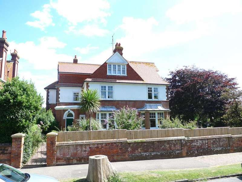 7 Bedrooms Detached House for sale in Milnthorpe Road, Eastbourne, BN20