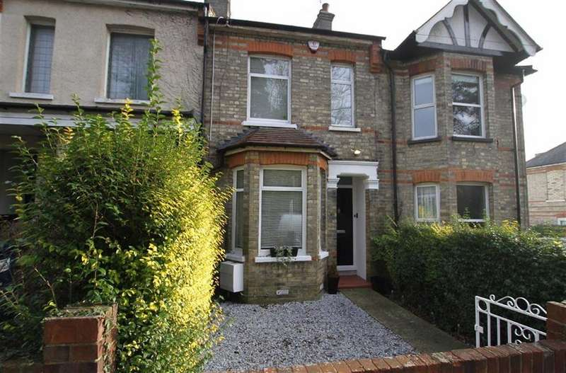 2 Bedrooms Terraced House for sale in Bells Hill, High Barnet, Herts, EN5
