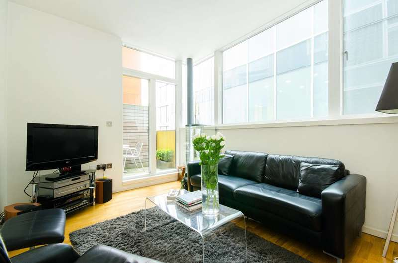 1 Bedroom Flat for sale in Great Turnstile, Holborn, WC1V