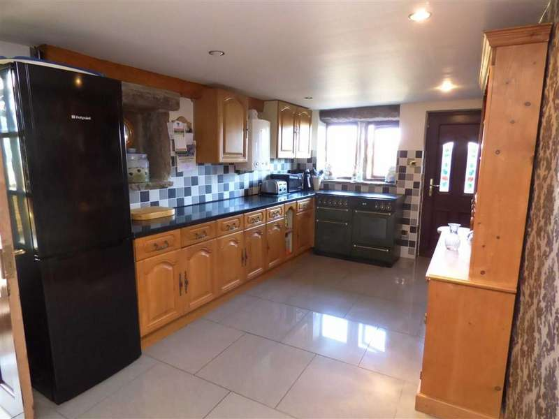 4 Bedrooms Detached House for sale in Flower Scarr Road, Sourhall, Todmorden, Lancashire, OL14