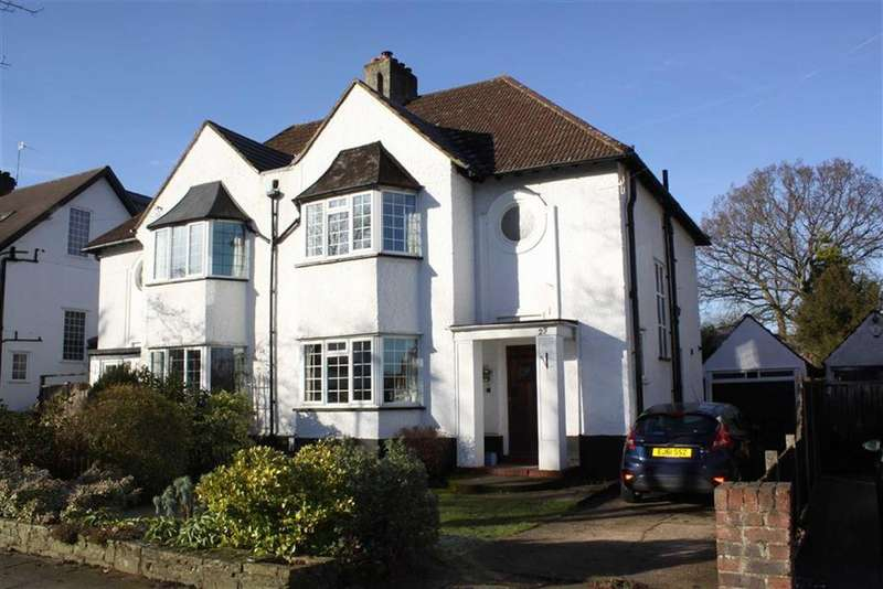 3 Bedrooms Semi Detached House for sale in Towncourt Crescent, Petts Wood East