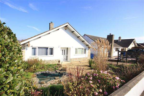 5 Bedrooms Bungalow for sale in Corbiere Avenue, Poole