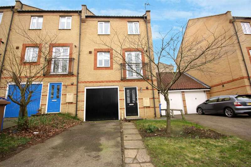 3 Bedrooms Town House for sale in Barleyhayes Close, Ipswich