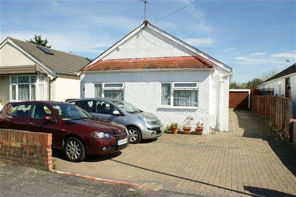 3 Bedrooms Bungalow for sale in Crosthwaite Way, Burnham