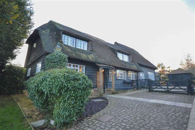 4 Bedrooms Detached House for sale in Braughing, Nr Ware