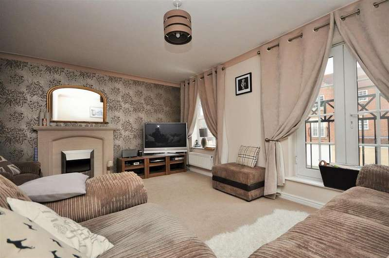4 Bedrooms Town House for sale in Regent Mews, Sovereign Park, York