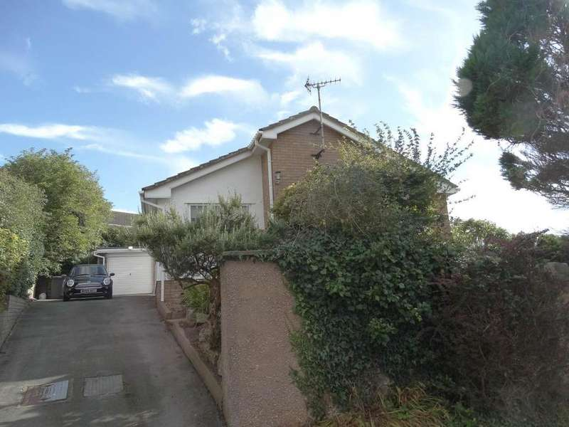 2 Bedrooms Detached Bungalow for sale in 16 Dinerth Crescent, Rhos on Sea, LL28 4HJ