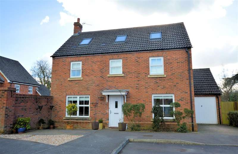 4 Bedrooms Detached House for sale in Tayberry Grove, Mortimer, Reading, RG7