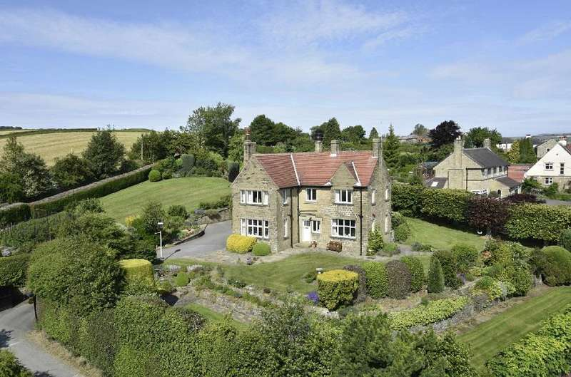 4 Bedrooms Detached House for sale in Highlands, Upper Hagg Road, Thongsbridge, Holmfirth, HD9 3UE