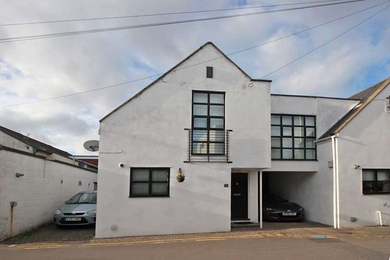 3 Bedrooms Semi Detached House for sale in Avon Buildings, Christchurch