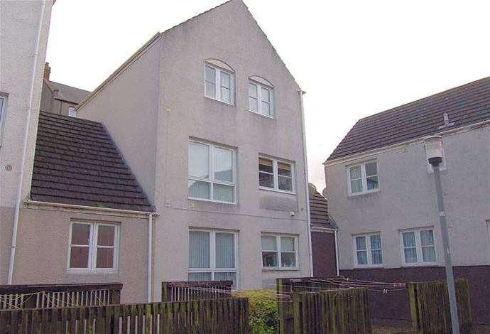 2 Bedrooms Flat for sale in 8 Cuddyside, Peebles, EH45 8EN