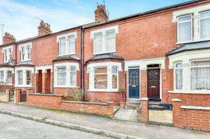 3 Bedrooms Terraced House for sale in Anson Road, Wolverton, Milton Keynes, Bucks