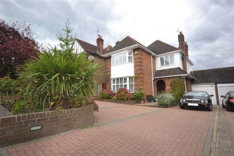 4 Bedrooms Detached House for sale in Friern Barnet Lane, Whetstone, London