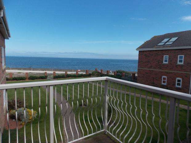 2 Bedrooms Apartment Flat for sale in Splashpoint Apartments Hilton Drive, Rhyl, LL18