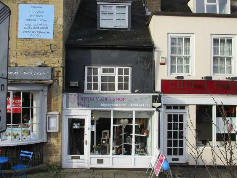 1 Bedroom Terraced House for sale in Middle Row, Chipping Norton, OX7 5NH