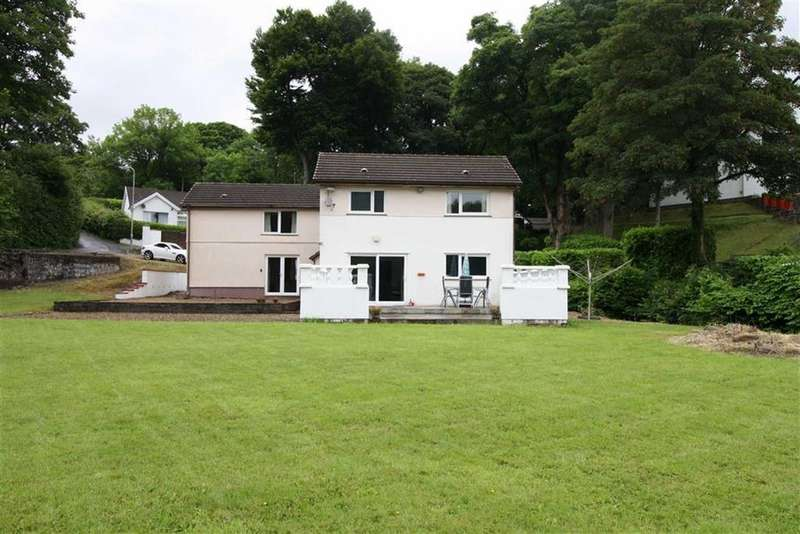 3 Bedrooms Detached House for sale in Cwmynysminton Road, Llwydcoed, Aberdare