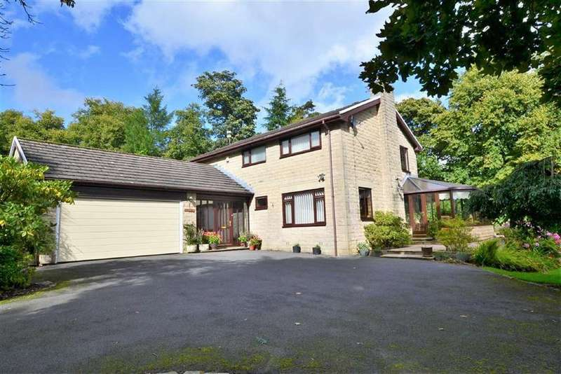 4 Bedrooms Detached House for sale in Carr Hall Road, Barrowford, Lancashire