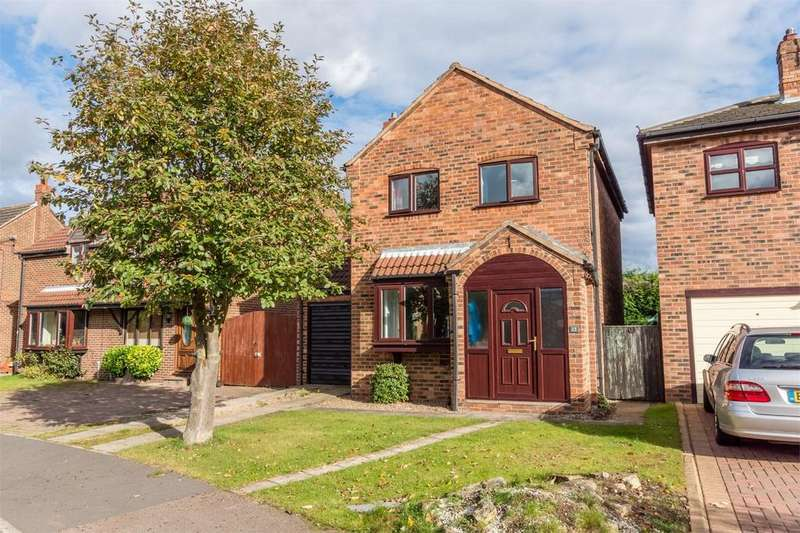 3 Bedrooms Detached House for sale in Holmes Drive, Riccall, YORK