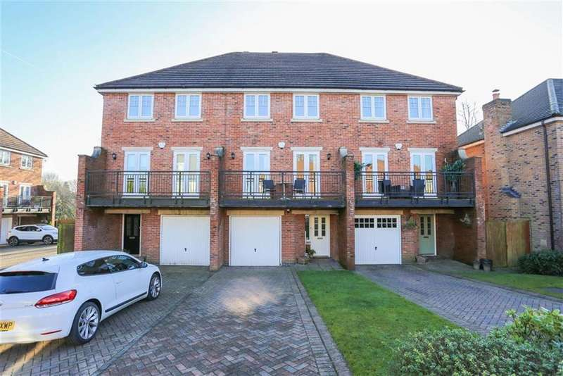 4 Bedrooms Town House for sale in Treetops Close, Marple, Cheshire