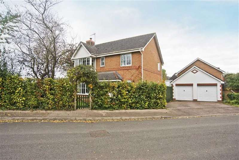 4 Bedrooms Detached House for sale in Troy Gardens, Monmouth, Monmouthshire